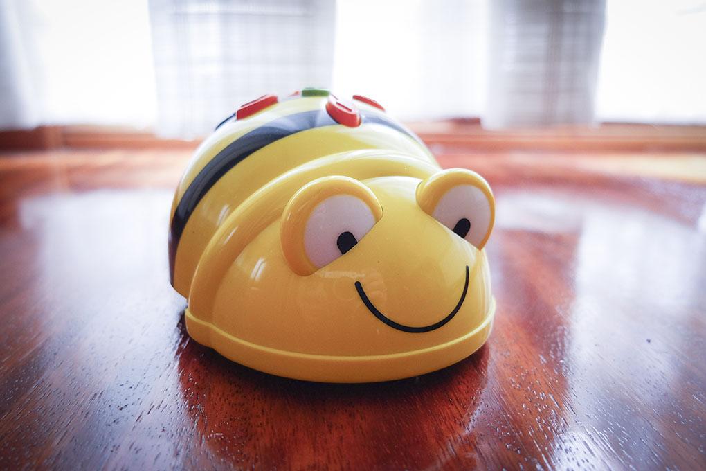 Pon una abeja en la vida de los niños